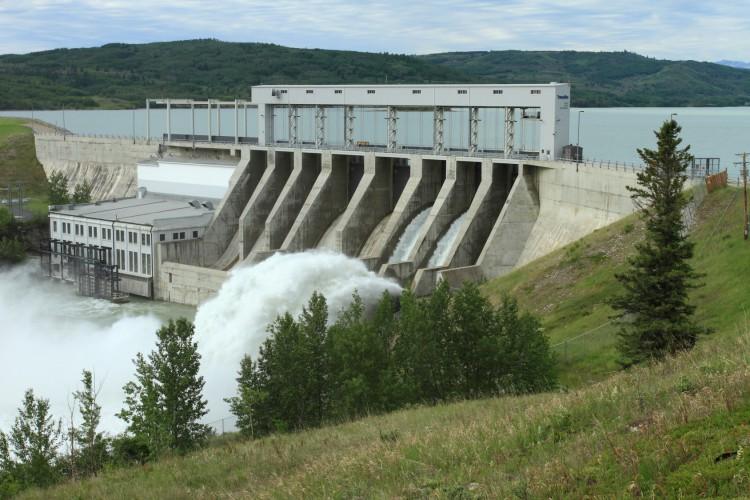 Fotolia_43348168_Ghost-Hydroelectric-Dam_M-e1447434145991