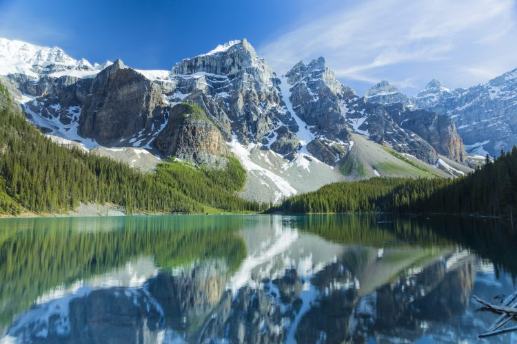 Fotolia_68368714_Moraine-Mountains_M-e1480614892968
