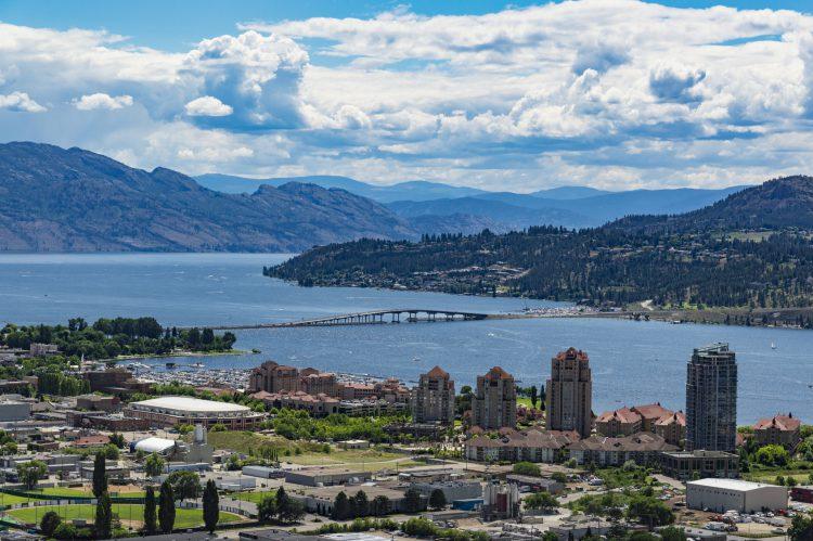 Fotolia_86419170_Kelowna-BC-Okanagan-Lake_M-e1485294437994