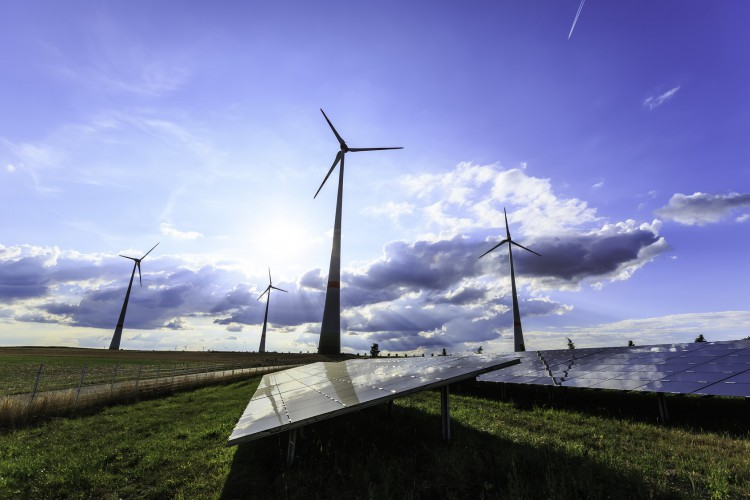Fotolia_90524193_wind-turbines-and-solar-panels_M-e1460146040871