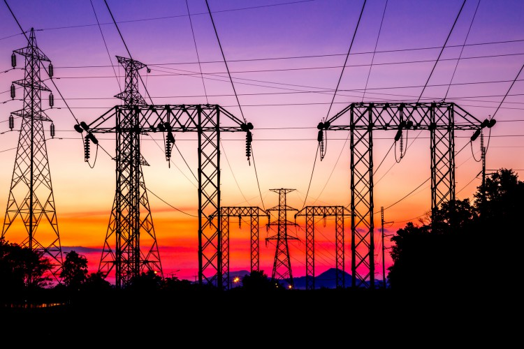 Fotolia_95572944_High-Voltage-Post-at-Twilight_M-e1449161858151