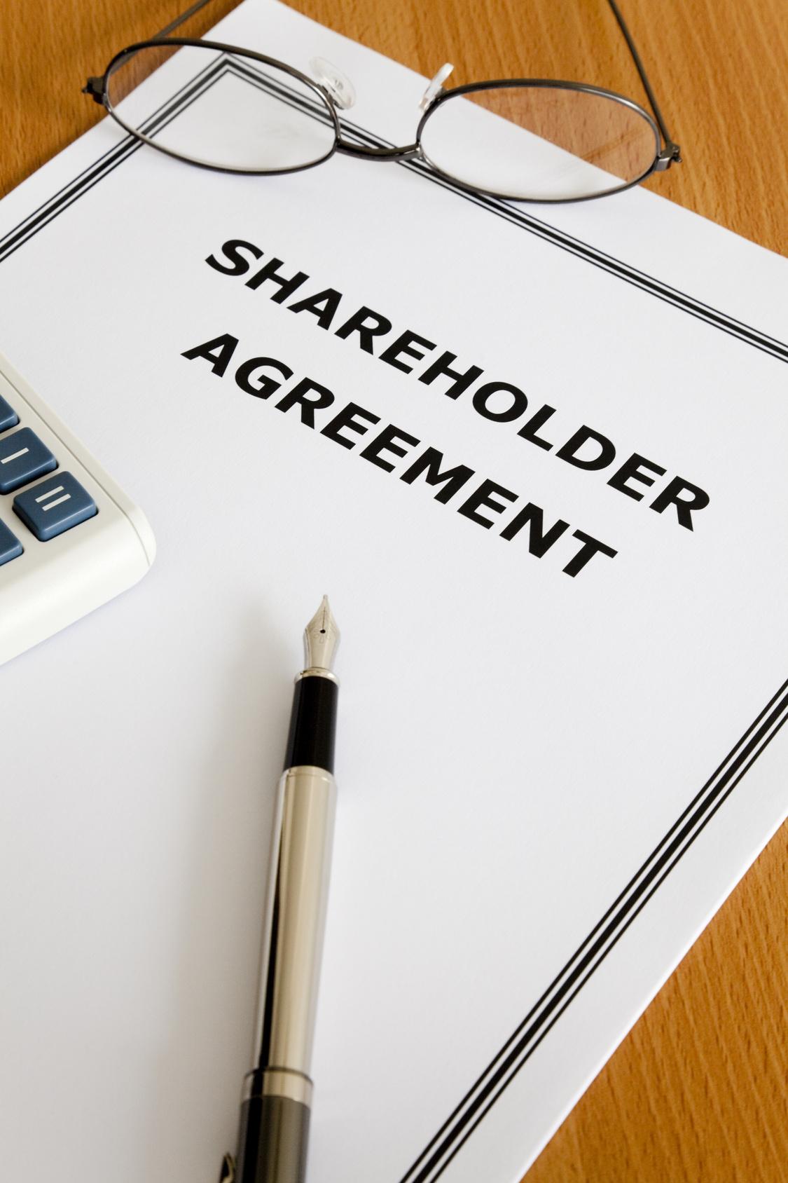 Fotolia_21149729_Shareholder-Agreement