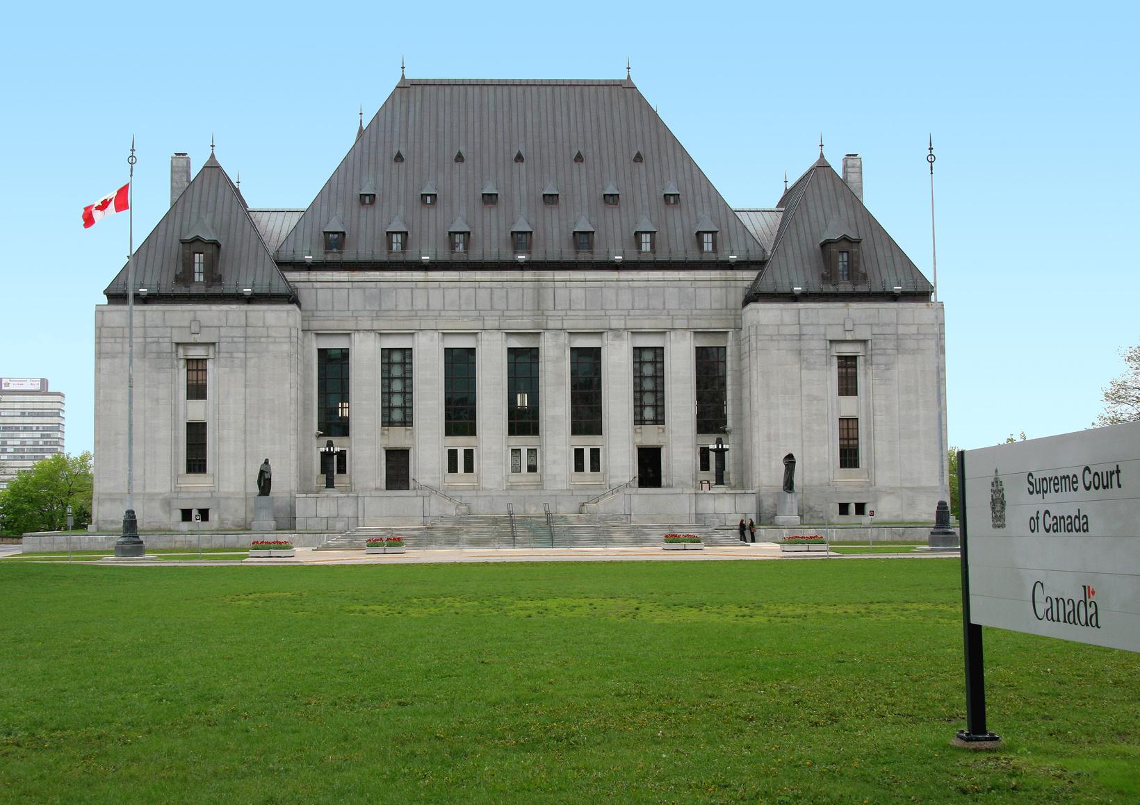 Fotolia_701557_supreme court of canada building_M