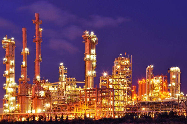 shutterstock_136038083_Oil Refinery at Night web