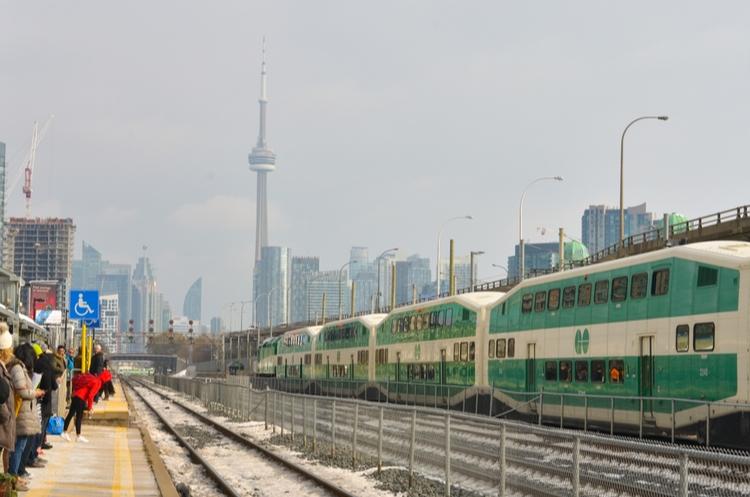 shutterstock_1595974456_GO Train_s