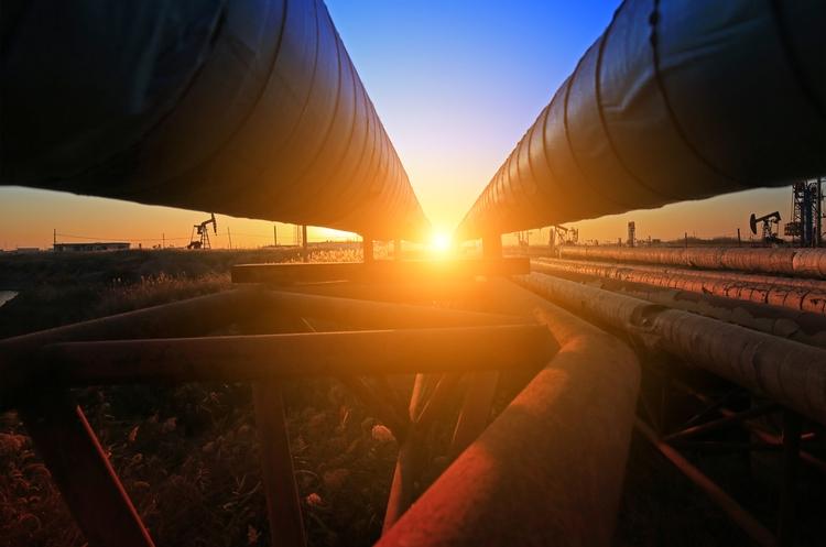shutterstock_749826562_pipeline web