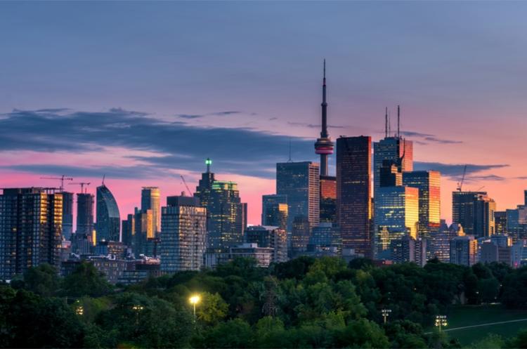 shutterstock_Toronto Sunset_web